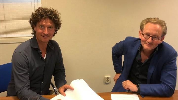 Ondertekening samenwerking Powered by Meaning en De Mar