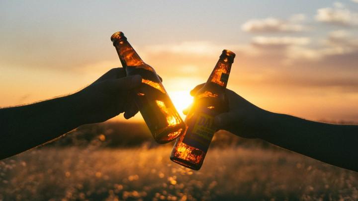 Jongeren drinken bier in plaats van wijn
