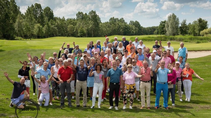 De deelnemers aan de 2e editie van Grouster Golf, in 2019.