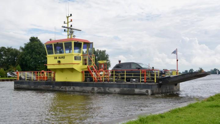 Pont De Burd in maart uit de vaart