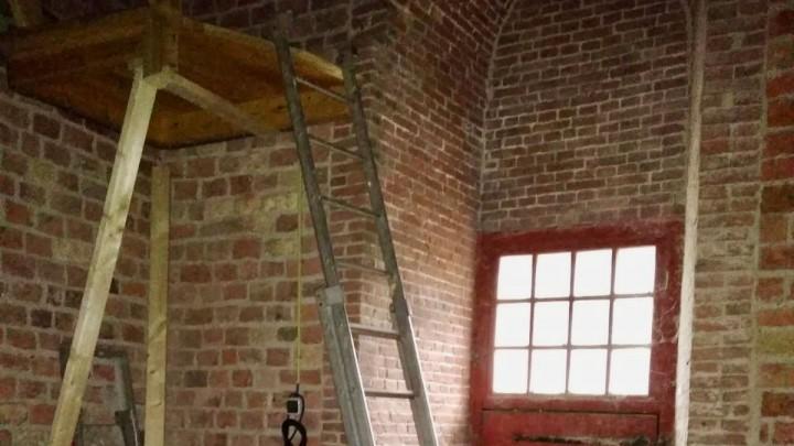 De ladder naar de eerste verdieping. (Foto: Eddy van der Noord)